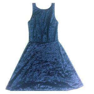 Dresses & Skirts - Velvet low back tunic dress